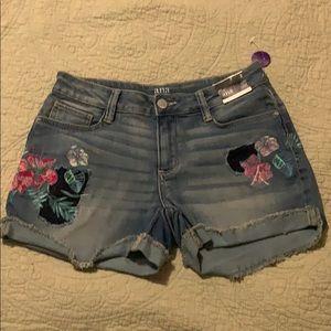 New size 2 a.n.a. Denim shorts